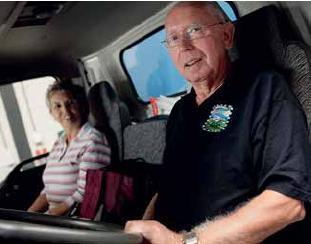 Vrachtwagenchauffeur op leeftijd