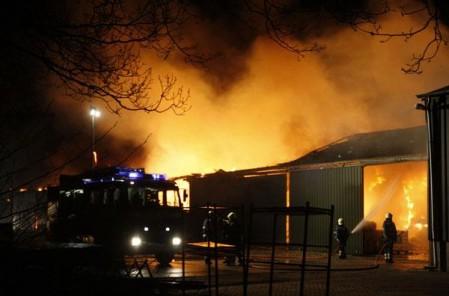Brand bij Van de Looy transport
