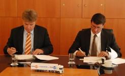 Truckland Lease ondertekening