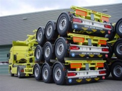 Broshuis containerchassis'