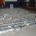Foto's: Dakar truck vol met drugs en wapens