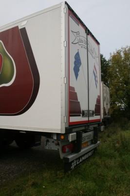 JAC op 't Hof Transport uit Hansweert heeft onlangs een nieuwe Lamberet SR2 Greenliner koeloplegger in gebruik genomen. De trailer werd geleverd door Carrosserie Elenbaas uit Poortvliet. importeur van
