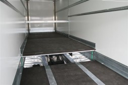 Stepdeck trailer lift
