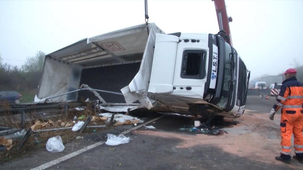 Volvo FH crasht - foto Michael Seeboth