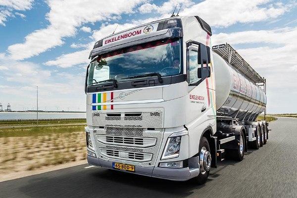 Volvo FH Light Concept truck voor Eikelenboom