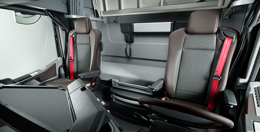 Renault introduceert speciale t international truck of for Renault gamme t interieur