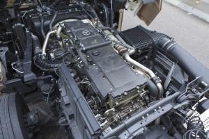 De 15,6 liter grote zescilinder OM473 diesel in deze Actros levert maar liefst 625 pk
