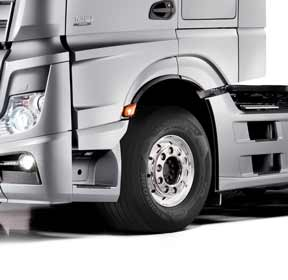 20150603_Hankook-Tire-Fitted-as-OE-for-Mercedes-Benz-Truck-Actros_lr