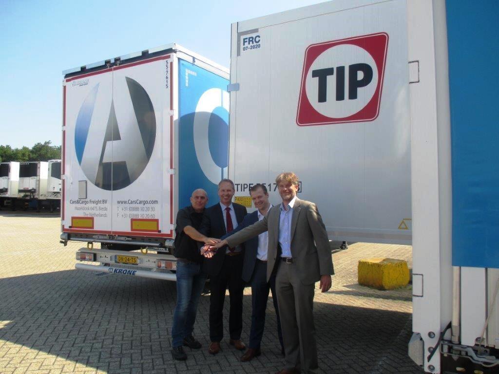 Jan Smets (Branch Manager TIP Venlo, Andre Menzing (Directeur Krone Nederland), Jan- Jaap Doelman (Accountmanager TIP), Jeroen Brouwer (Director Finance Cars&Cargo Group)