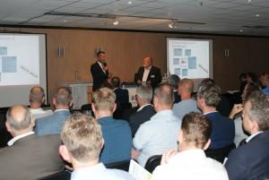 Met TLN-voorzitter Arthur van Dijk besprak Ploos van Amstel het belang van nieuw beleid voor data delen, met name omtrent het eigendom en de protectie van data.
