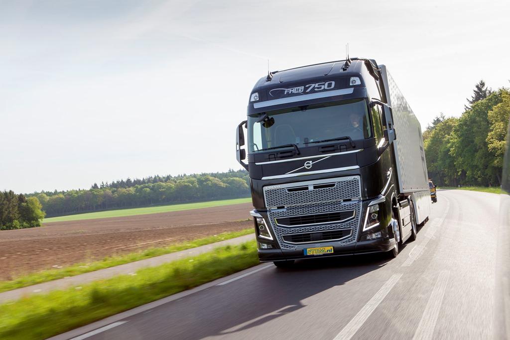 Volvo FH16-750 Globetrotter XL • TTM.nl
