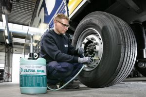 Ultra-Seal tyre-filling-with-manual-pump