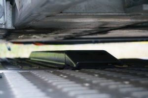 Een beschermbalk moet beschadigingen aan het chassis voorkomen.