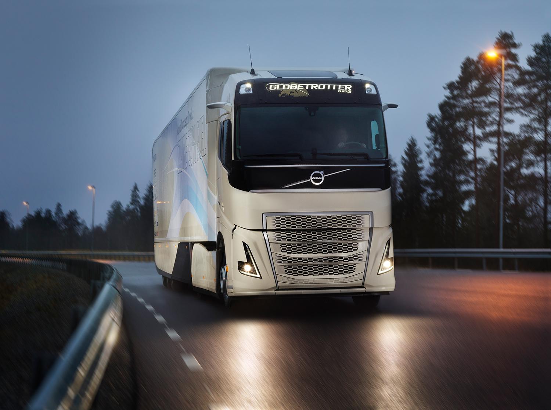 video volvo test hybride truck voor lange afstand. Black Bedroom Furniture Sets. Home Design Ideas