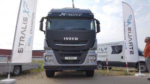 Je verwacht het niet, zo op een zaterdagmiddag: de eerste Iveco Stralis X-Way in Nederland. Primeurtje!