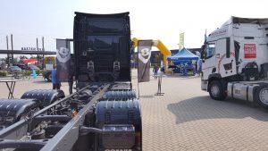 Scania S580 V8 6x4, en de Renault T
