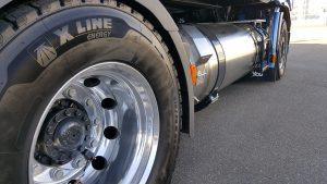Tijdens de rit is de NP 460 stil, mede dankzij nieuwe banden van Michelin.