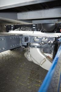 Door de kleine SCR-unit is er aan de rechterkant van het chassis veel ruimte over.