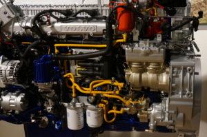 De G13C-motor voor de LNG-truck bestaat grotendeels uit dezelfde onderdelen als de dieselmotor