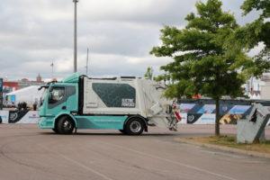 Een elektrische truck is bij uitstek geschikt als huisvuilchassis, en die versie van de FL is er dus al meteen.
