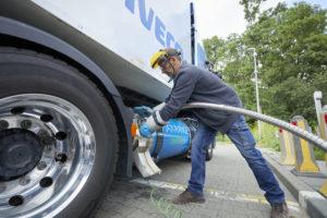 Het tanken van LNG is een secuur klusje.