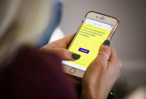 Interactief meedoen, met serieuze vragen op de smartphone…